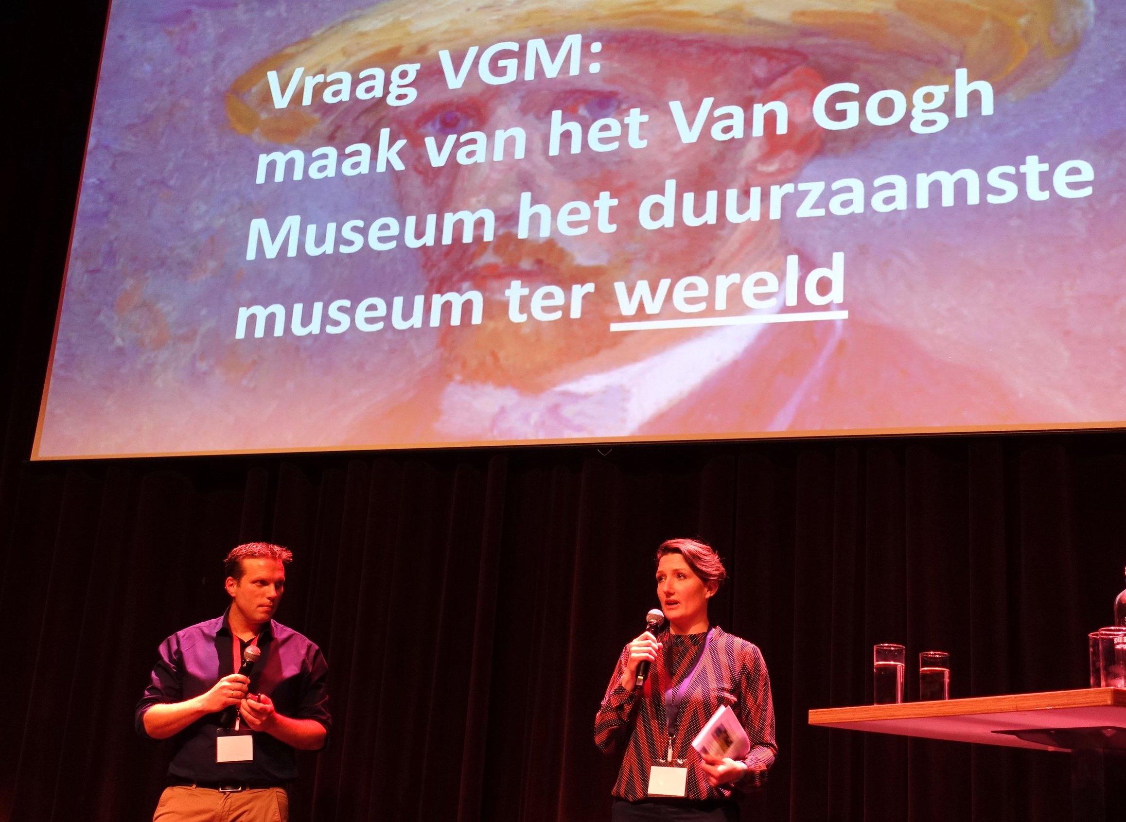 Breedweer Van Gogh Museum Amsterdam