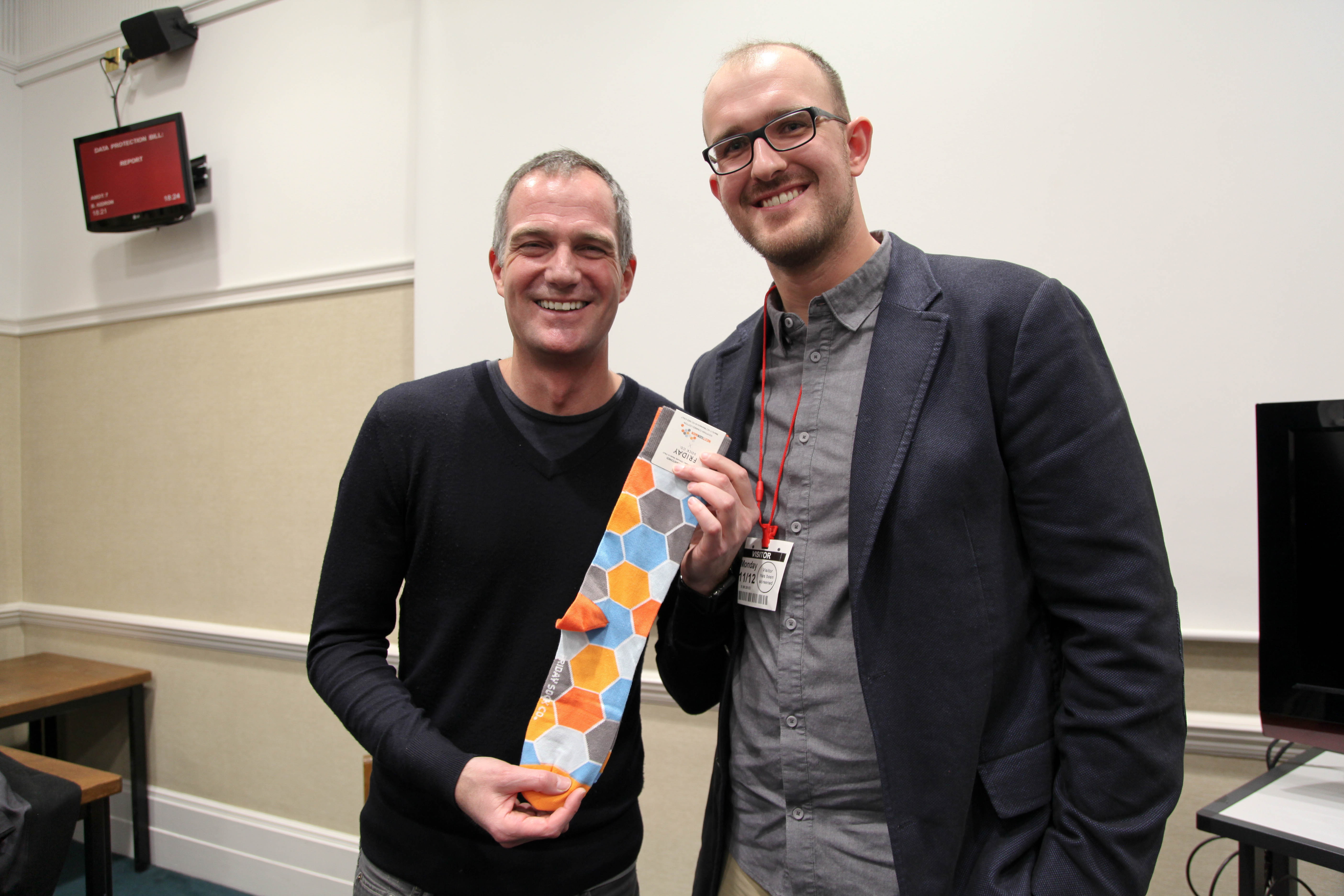 Jake Stika presented Dr Peter Kyle MP with a gift from a Canadian social enterprise during a meeting in Parliament between Dr Kyle and an international delegation of Active Citizens © Helen Clifton.