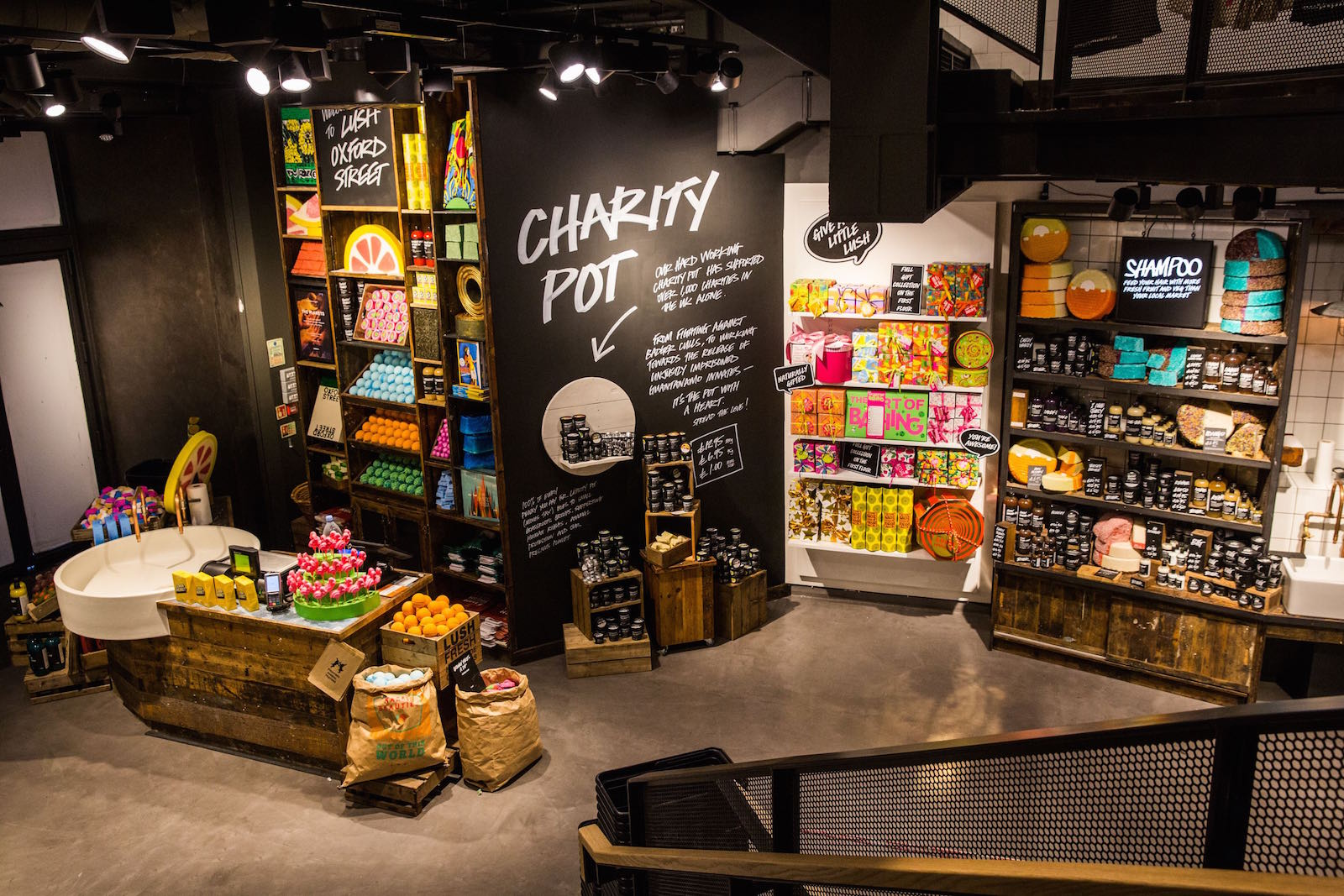 Lush Talk Clean Business Practices At Oxford Street The