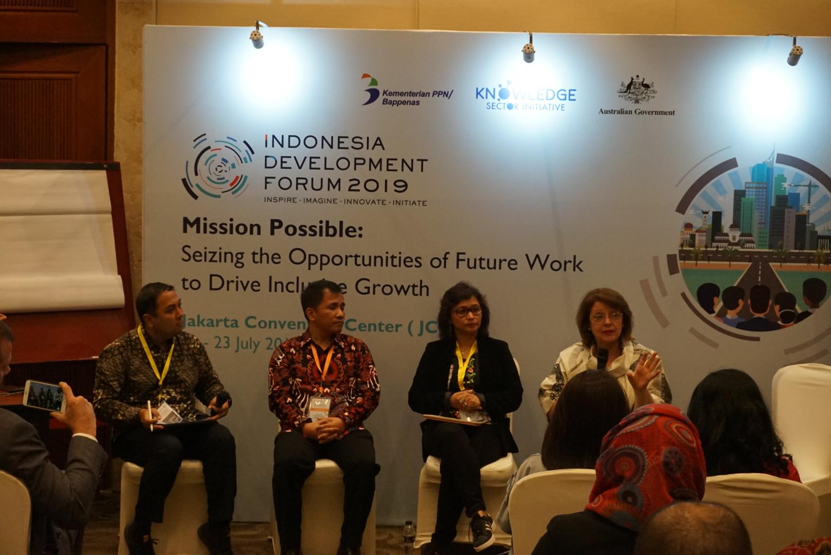 Dr. Ari Margiono, Leonardo Adypurnama Teguh Sambodo, Maria R Nindita Radyati, Baroness Glenys Thornton in Social Enterprise Policy Consultation session