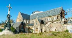 Christchurch cathedral damaged by earthquake