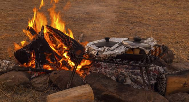 photo of a barbecue in the South African bush