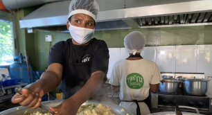 Temsalet Kitchen makes food for Ethiopians in need during the coronavirus pandemic