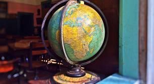 Globe_world_classroom_vintage