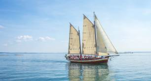 Sailing boat_ocean_sea_blue skies