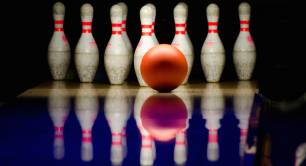 Bowling alley_bowling ball_sport
